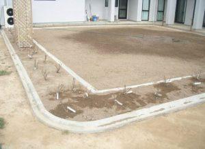laying concrete kerb